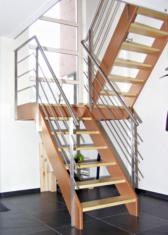 Rechte steek bordes trap productnr 000007 comfort trappen for Bordestrap hout