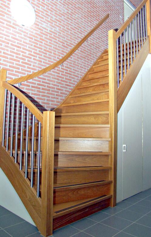 Onderkwart trap productnr 000032 comfort trappen for Trap onderkwart