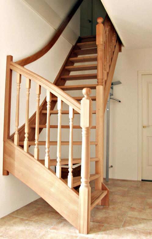 Onderkwart trap productnr 000023 comfort trappen for Trap onderkwart