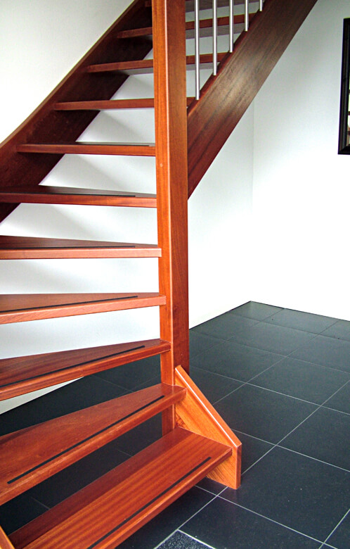 Onderkwart trap productnr 000021 comfort trappen for Trap onderkwart